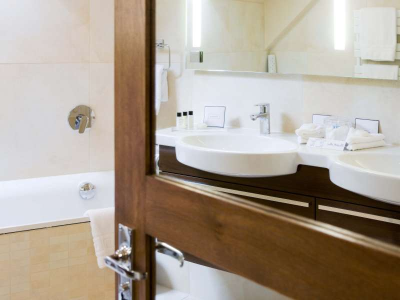 Westmorland Suite Bathroom